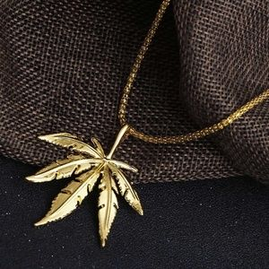 Maple Leaf Pendant Chain Necklace